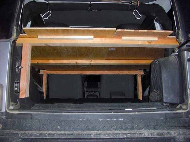 Has anyone built an elevated sleeping platform for a JKU
