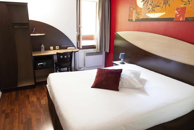 Chambre Single à Goussainville - Hôtel Bagatelle