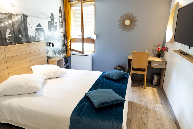 Chambre Double à Goussainville - Hôtel Bagatelle