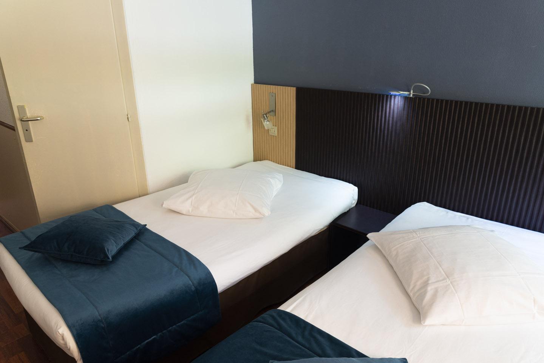 Chambre Twin à Goussainville - Hôtel Bagatelle