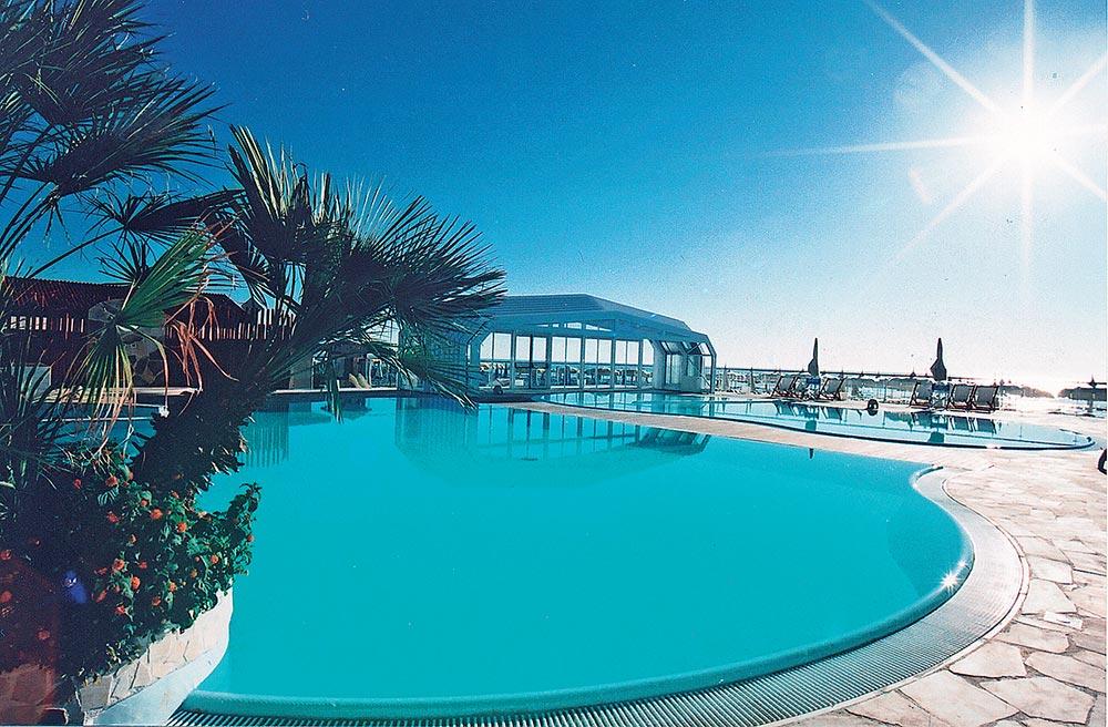 Vacanze all inclusive a Milano Marittima con piscina in spiaggia