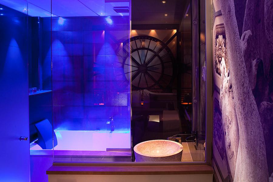 Muse dOrsay Rooms Jacuzzi  Hotel Design Secret de Paris  Hotel Paris 9  75009