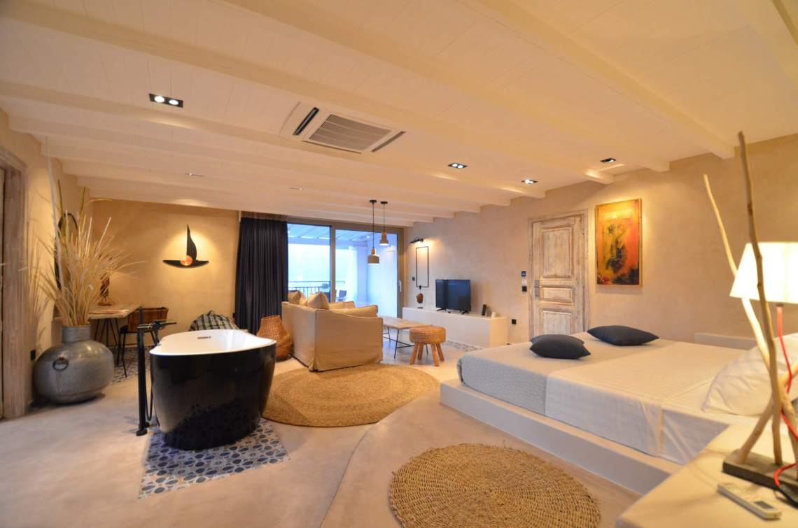 Sea view Deluxe Suite