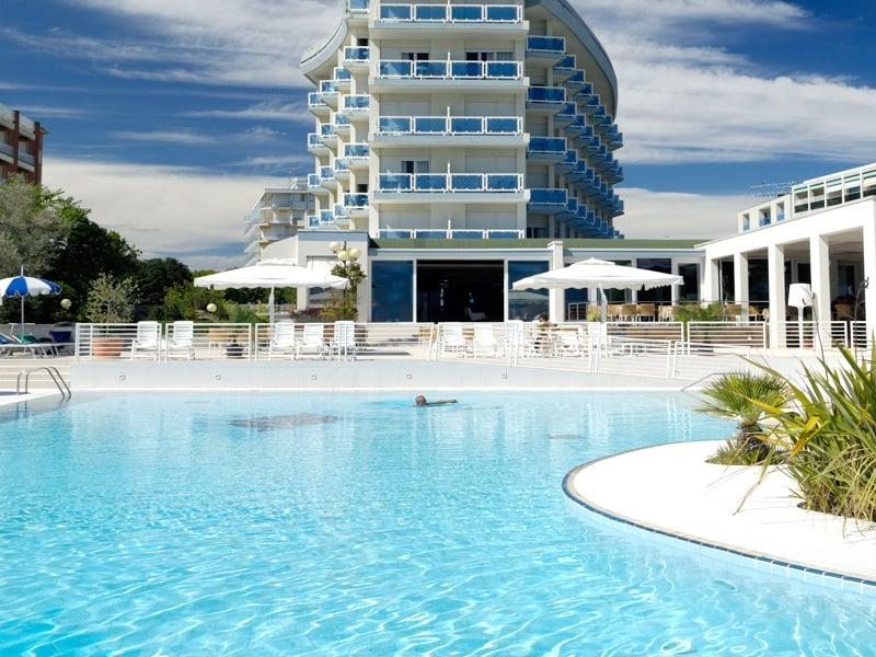 Hotel con piscina Bibione  Majestic Beach  Sulla spiaggia