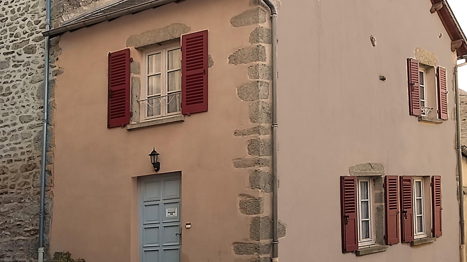 maisonnette du puits facade