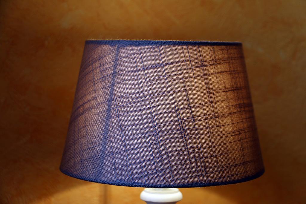 chambre01-detail-lampe