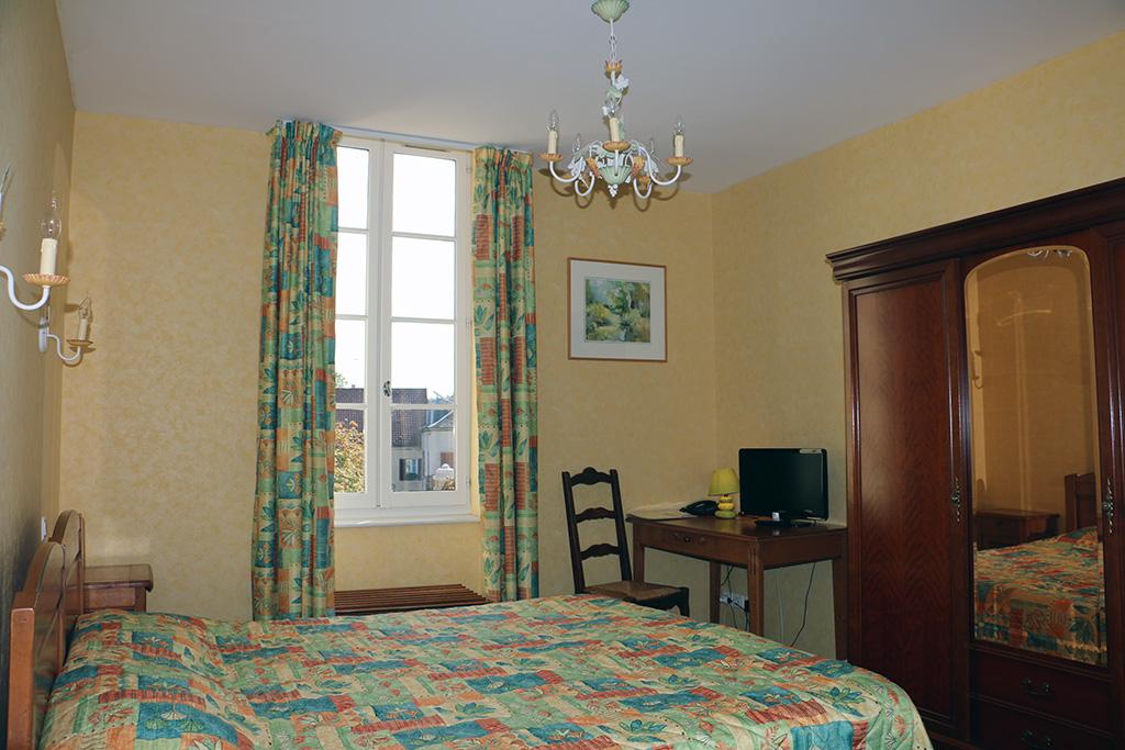 Chambre twin Hôtel du Nord à Quarré les Tombes