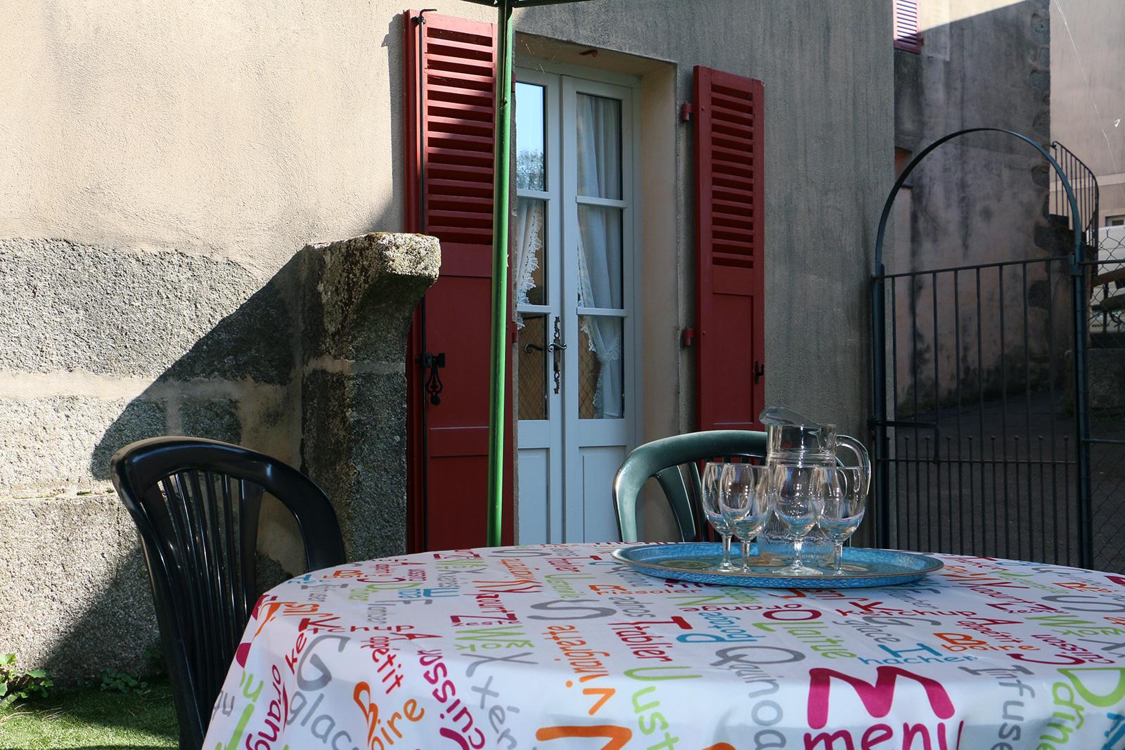 vue sur cour  – Chambre double – Maisonnette de l'hôtel du Nord – Restaurant Saint-Georges