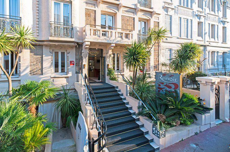 renoir-hotel-batiment-768x509