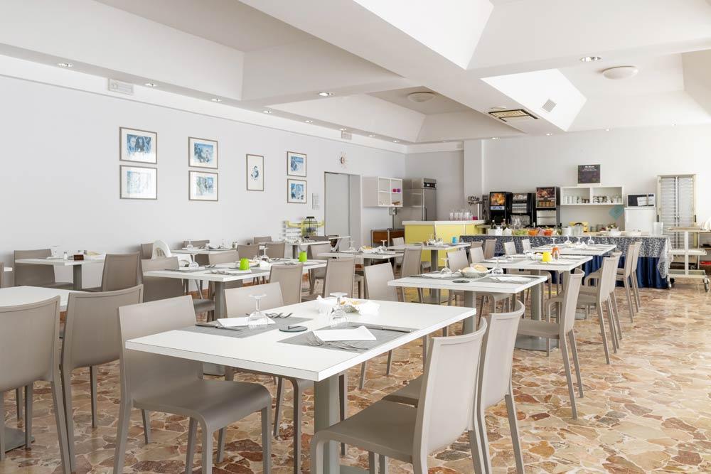 Hotel Rivazzurra con ristorante e cucina tipica romagnola