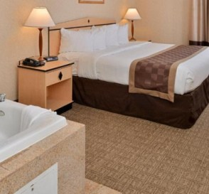 Hot Tub suite in Red Lion Inn & Suites Denver Airport Hotel, CO