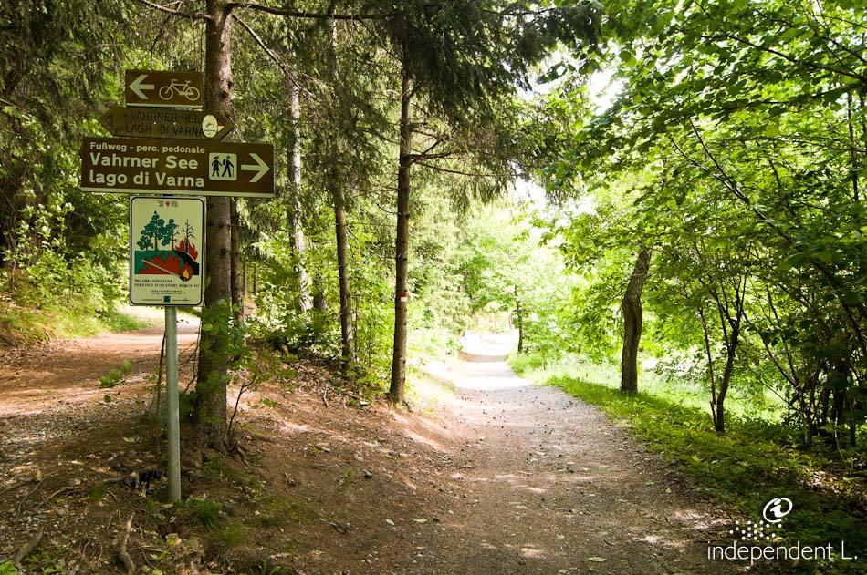 Passeggiata verso il Lago di Varna  Alto Adige per tutti itinerari descritti dettagliatamente