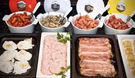 HALFAXGB-6543-desayuno-buffet-alfa-hotel-barcelona