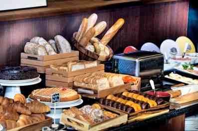 HALFAXGB-6560-desayuno-buffet-alfa-hotel-barcelona