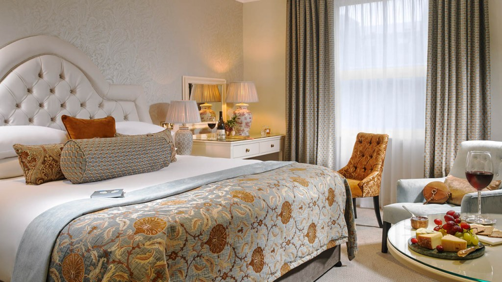 Falling Leaves Means Falling Prices at the Flynn Hotel Collection