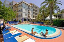 Elegant 4 Star Hotel In Sorrento Coast Caravel