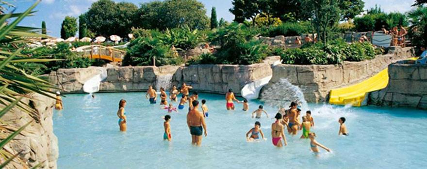 Parco Cavour un parco acquatico che si trova nelle vicinanze dellHotel Chiara 3 stelle