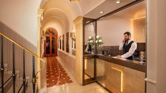 È tenuto da professionisti che lavorano in studi di progettazione. Hotel Del Corso Rome Home