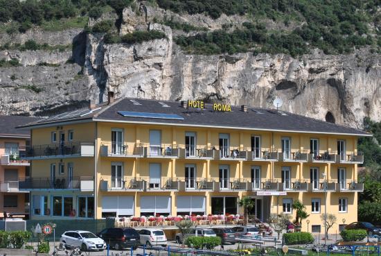 Hotel In Garda Trentino E Valle Di Ledro Piscina  Hotel del Trentino