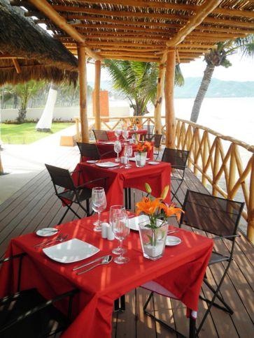 Restaurante con Vista al Mar