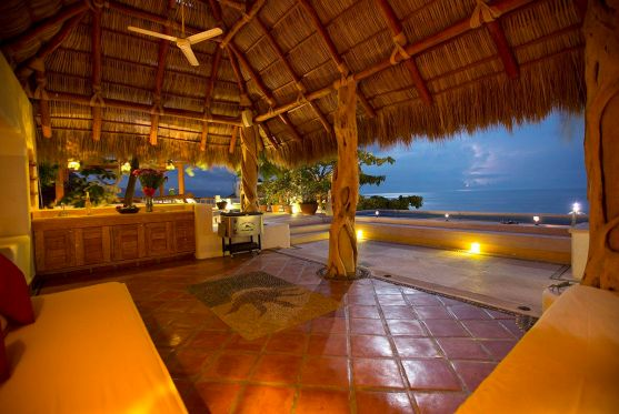 hoteles-boutique-de-mexico-hotel-luna-liquida-puerto-vallarta-terraza-alberca