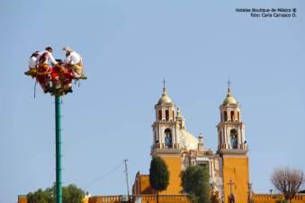 Hoteles-Boutique-en-Mexico-conociendo-cholula-a-pie-voladores-de-papantla
