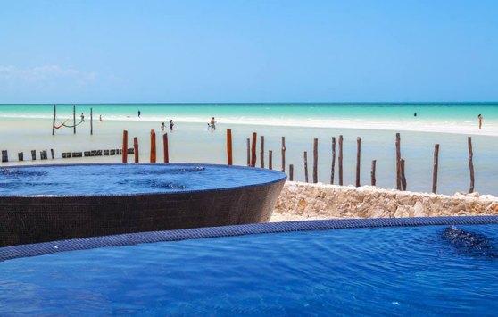 Hoteles-Boutique-de-Mexico-villas-flamingos-y-su-homenaje-a-holbox-3