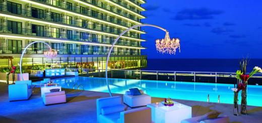 Secrets-The-Vine-Cancun-piscina-bar