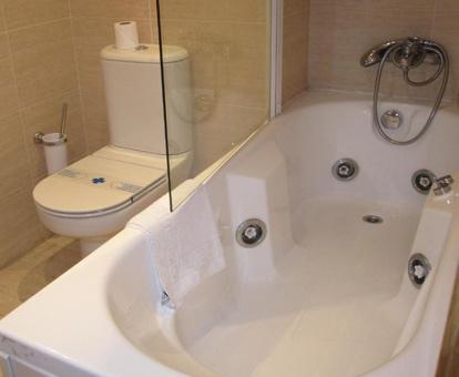 Listado de Hoteles con Jacuzzi en la Habitacin en Burgos