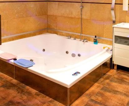 Hoteles con jacuzzi en la habitacion La Rioja