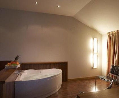Hoteles con Jacuzzi en la Habitacion en Burgos