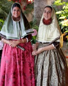 """Die Präsentation der tapferen Frauen (""""les valentes dones"""") findet jedes Jahr statt, da sie das Symbol des Festes sind"""