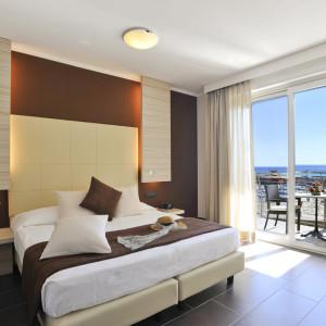 Hotel 3 Stelle Loano  Camere Vista Mare  Appartamenti