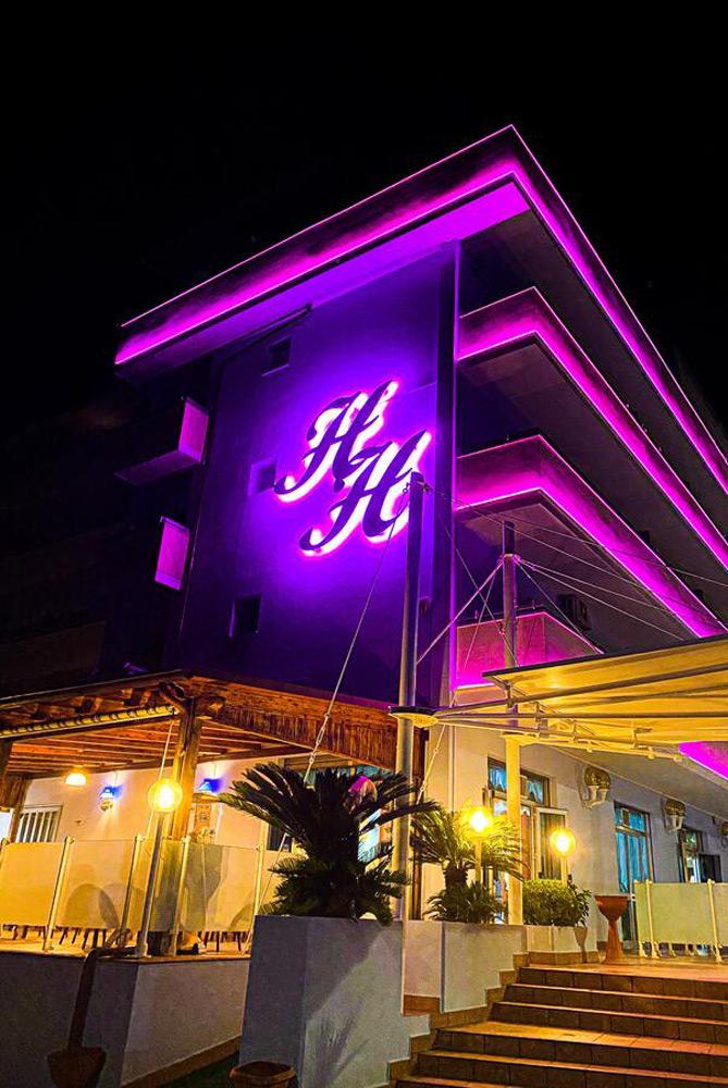Hotel Holiday  Hotel per Famiglie Martinsicuro  Abruzzo