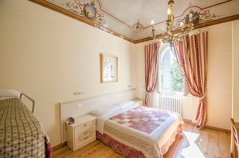 Appartamento con due camere da letto in vendita ad anghiari, toscana. Camera Singola Hotel Iris Perugia