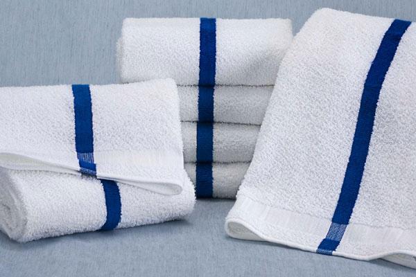 20 X 40 Martex Pool Towel 1 Blue Center Stripe