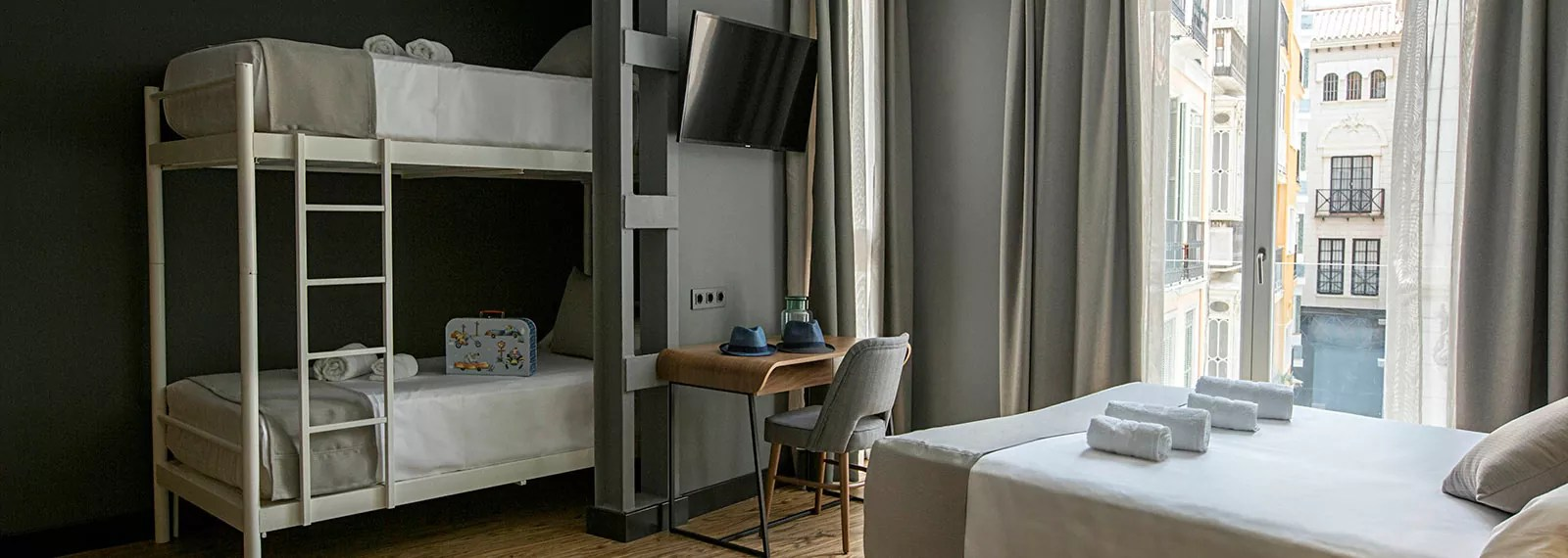 Hotel boutique Habitacin familiar en Mlaga Premium Hotel