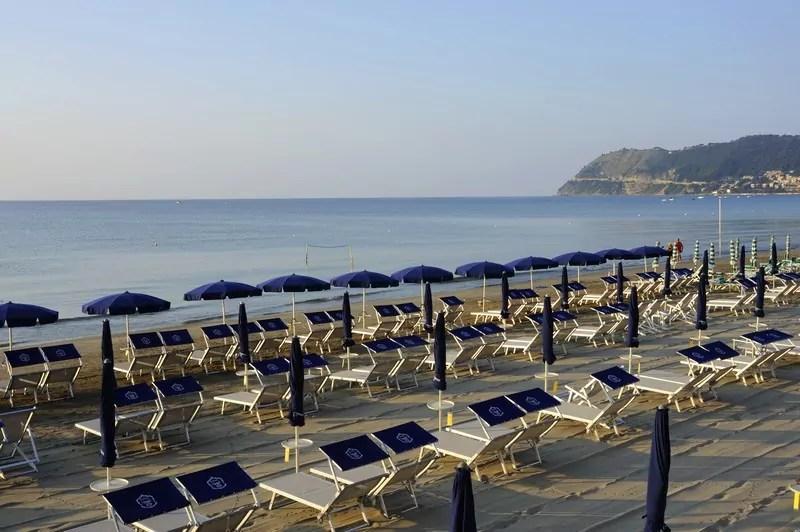 Hotel con spiaggia con bar ristorante Alassio Liguria  Grand Hotel Mediterranee