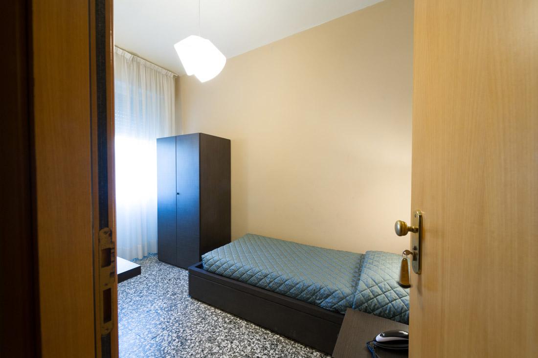 Camera singola con bagno in comune  Hotel Moderno