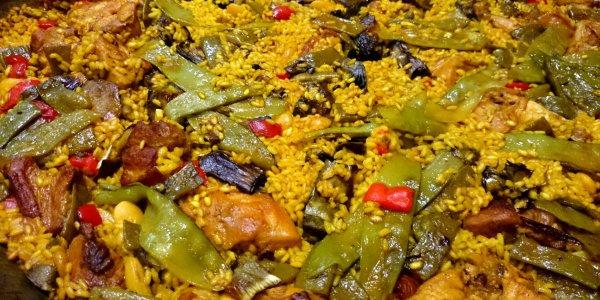Paella Valenciana con alcachofas