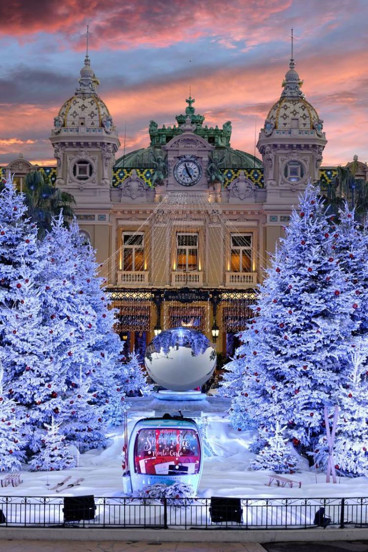 Place du Casino de Monte-Carlo decorada para o Natal