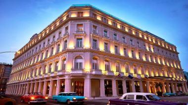 Fachada do Grand Hotel Manzana Kempinski
