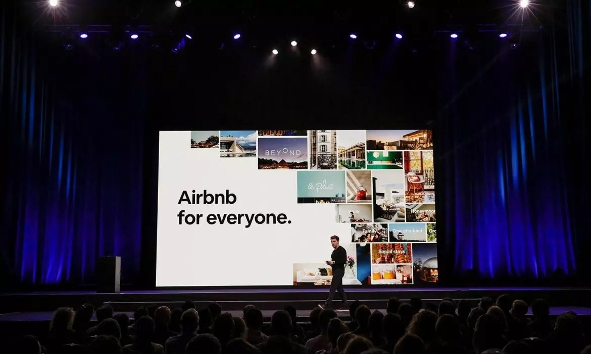 Airbnb to vet homes listed through new service launching in Toronto