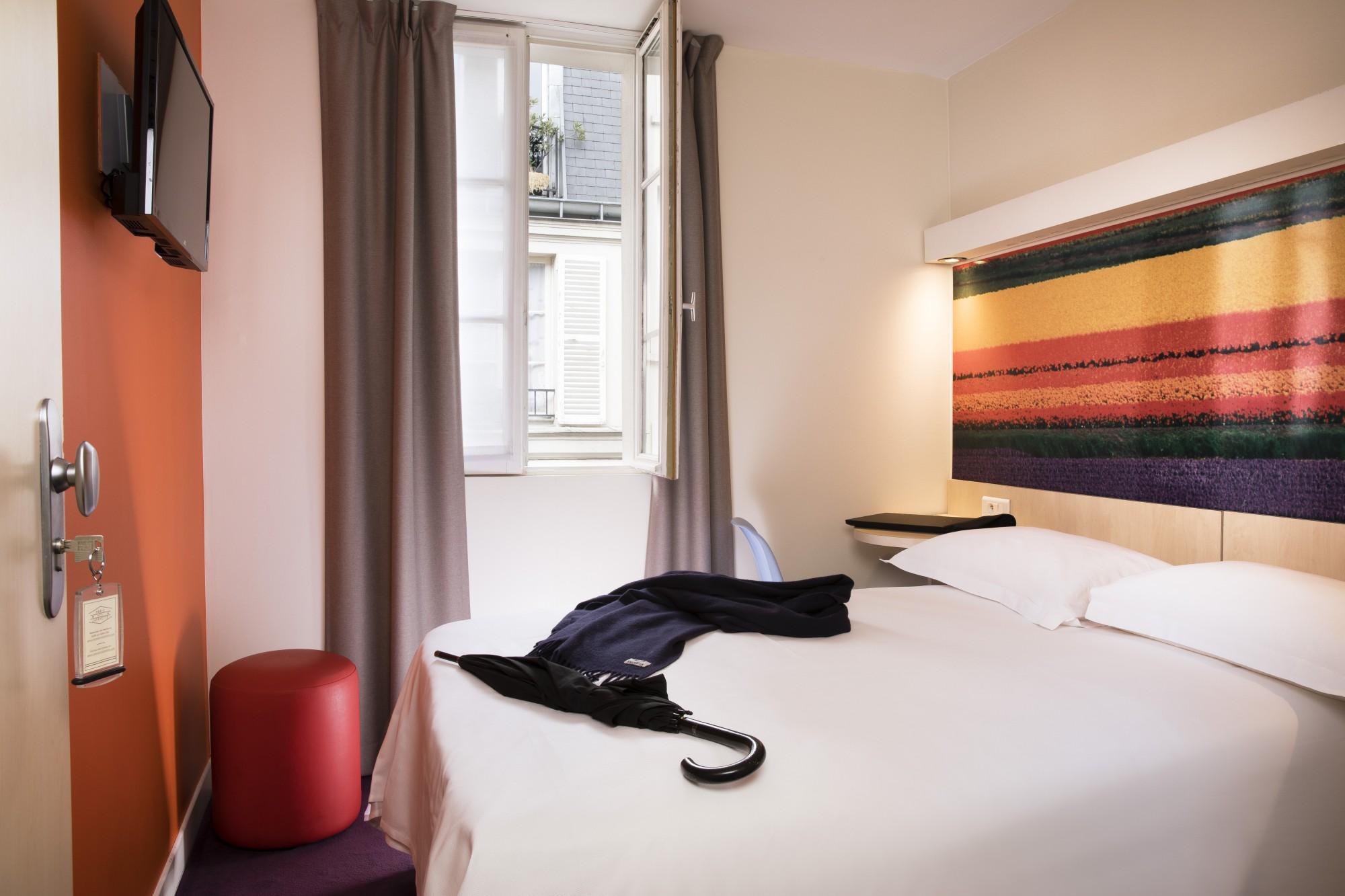 HABITACIONES  HABITACIN INDIVIDUAL Hotel Paris  Htel