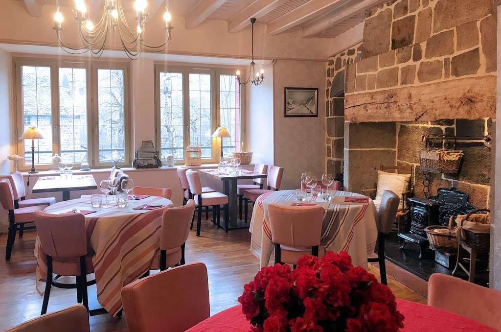Restaurant Albepière Bredons le Plomb du Cantal