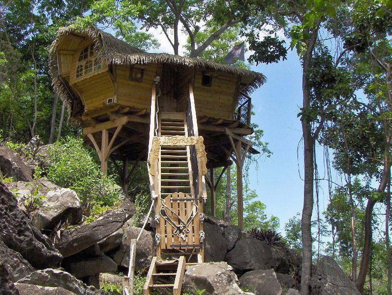 Habitation Getz Cabanes Perches En Guadeloupe Hotels