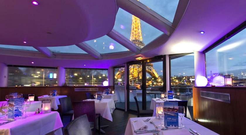 VIP Paris Yacht Hotel  Dormir sur un bateau  Paris