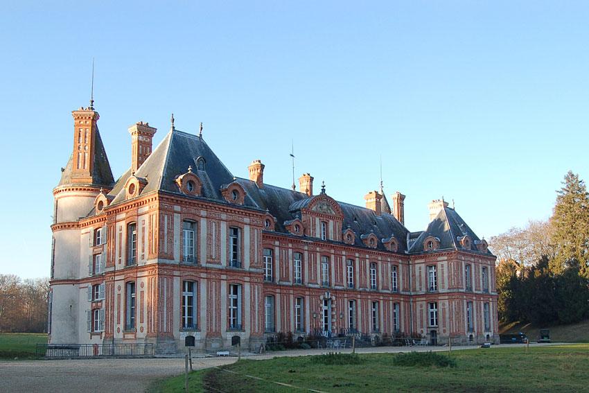 Chteau de Graville  Hbergement insolite proche de Fontainebleau  Hotelsinsolitescom