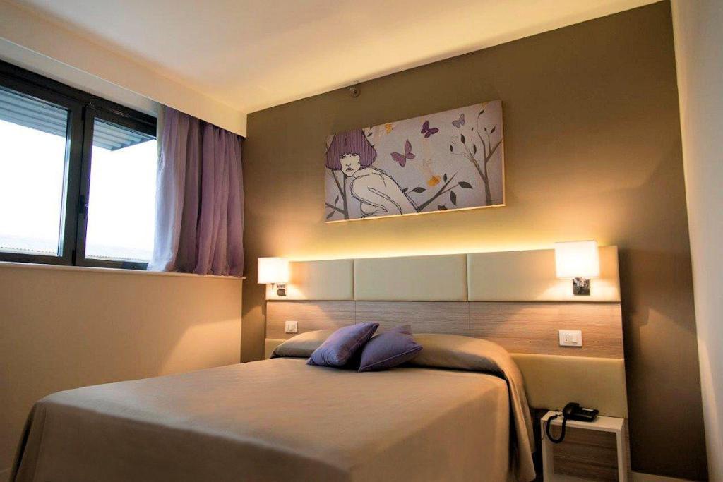 Camera Hotel Cristina Napoli
