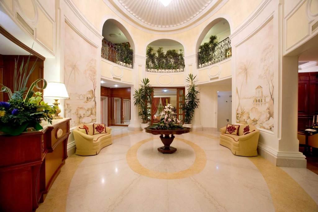 Palazzo Alabardieri Hotel 4 stelle Napoli Chiaia